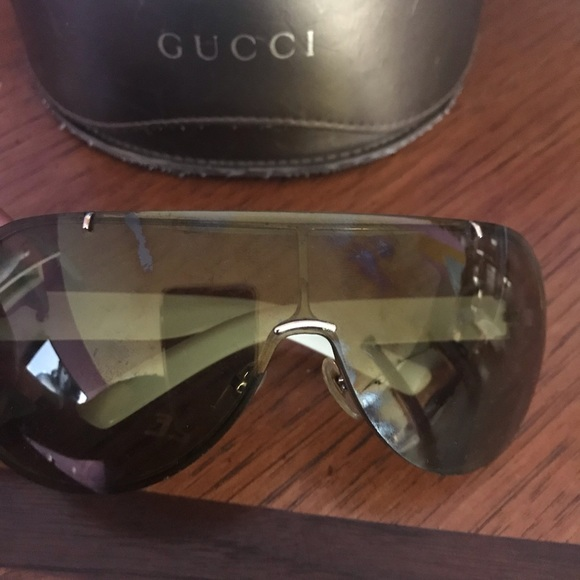 49d886dc396 Gucci Accessories - Women s Gucci Rimless Sunnies - Authentic
